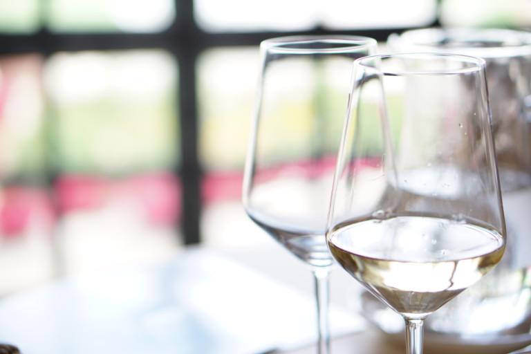 Read more about the article 【くせになる白ワインの代表】すっきりした爽やかさ&香りが特徴的なソーヴィニョンブランとは?