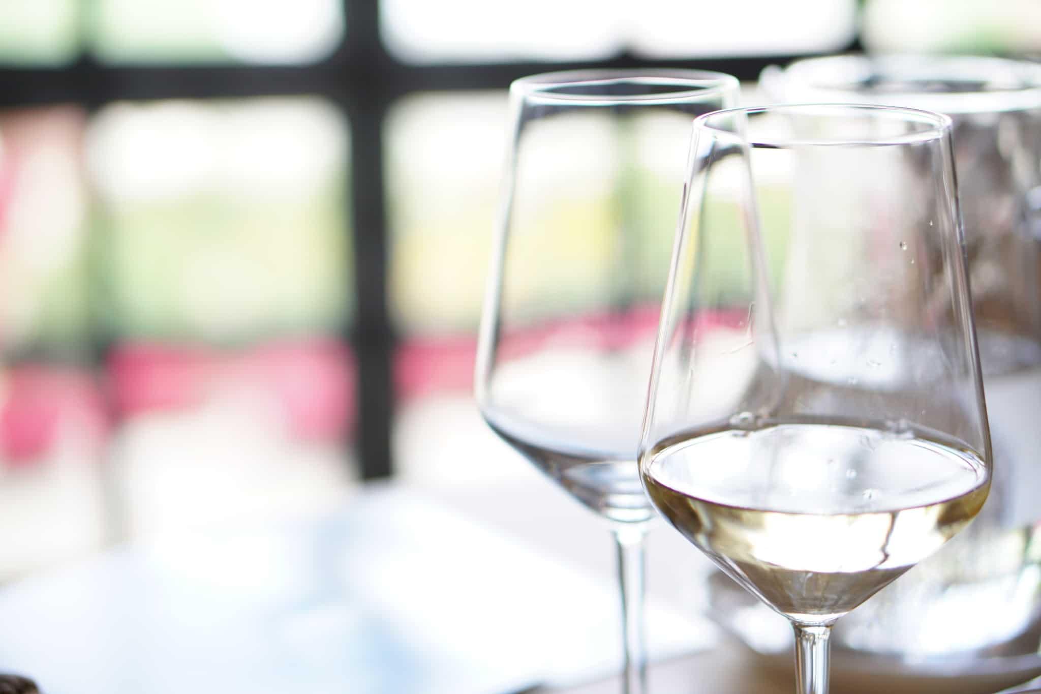 You are currently viewing 【くせになる白ワインの代表】すっきりした爽やかさ&香りが特徴的なソーヴィニョンブランとは?